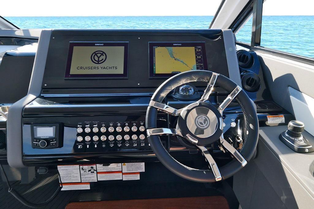 2021 Cruisers Yachts                                                              42 GLS Image Thumbnail #6