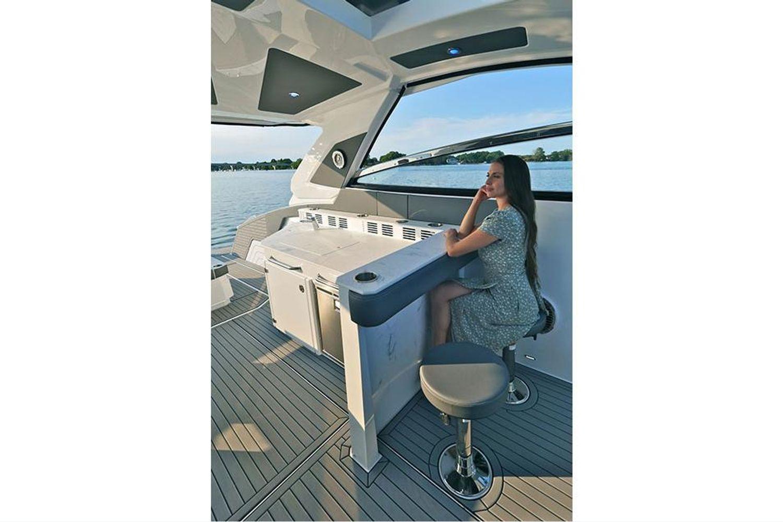 2021 Cruisers Yachts                                                              42 GLS Image Thumbnail #9