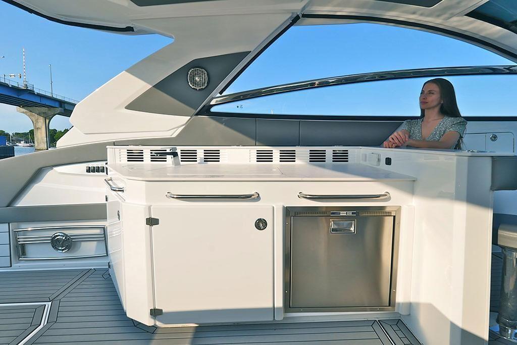 2021 Cruisers Yachts                                                              42 GLS Image Thumbnail #8