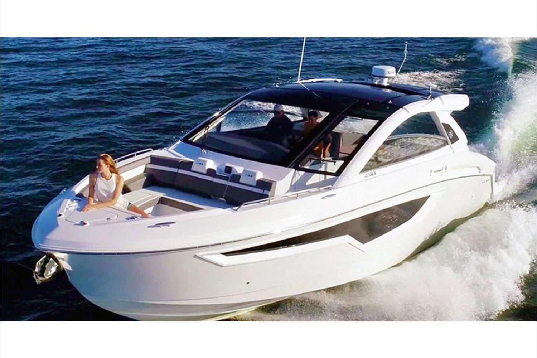 2021 Cruisers Yachts                                                              42 GLS Image Thumbnail #1