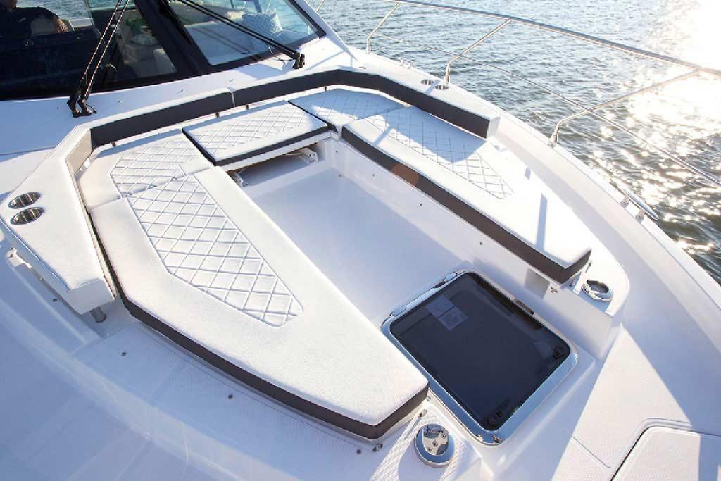 2021 Cruisers Yachts                                                              50 Cantius Image Thumbnail #6