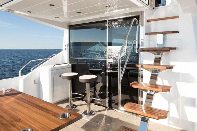2022 Cruisers Yachts                                                              60 Fly Image Thumbnail #8