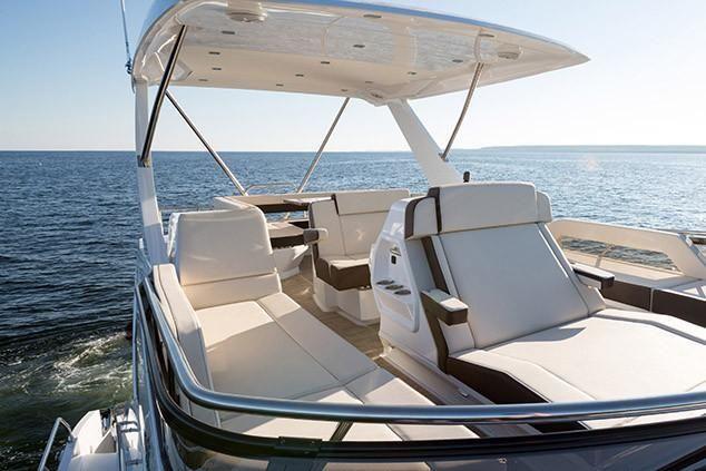 2022 Cruisers Yachts                                                              60 Fly Image Thumbnail #7
