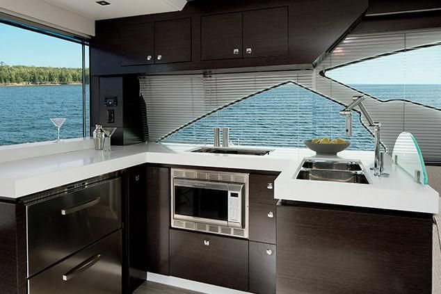 2022 Cruisers Yachts                                                              60 Fly Image Thumbnail #12