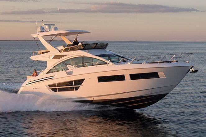 2022 Cruisers Yachts                                                              60 Fly Image Thumbnail #4
