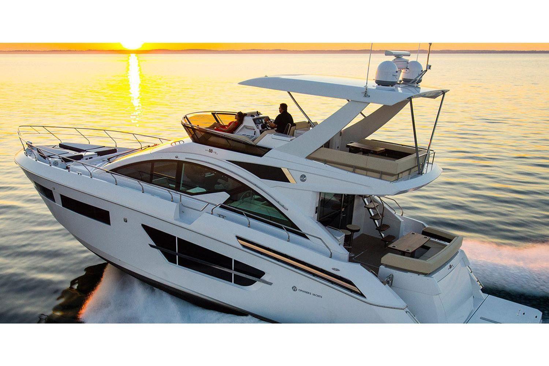 2022 Cruisers Yachts                                                              60 Fly Image Thumbnail #3
