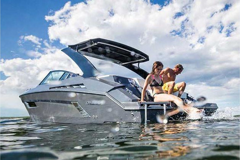 2021 Cruisers Yachts                                                              338 South Beach Edition Bow Rider Image Thumbnail #3