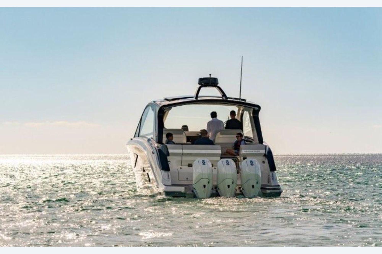2022 Sea Ray                                                              Sundancer 370 Outboard Image Thumbnail #1