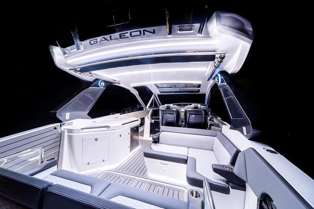 2022 Galeon                                                              325 GTO Image Thumbnail #9