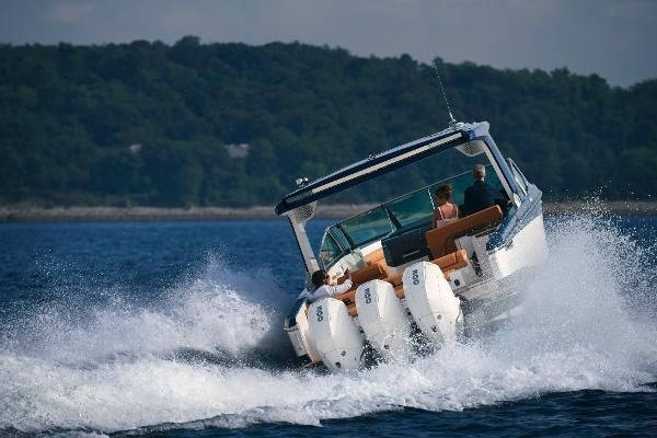 2022 Aviara                                                              AV32 Outboard Image Thumbnail #5