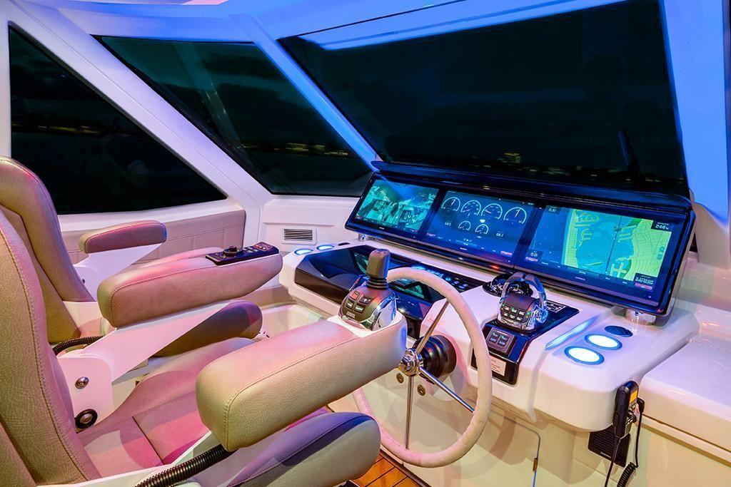 2022 Aquila                                                              70 Luxury Image Thumbnail #11