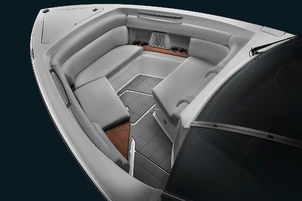 2022 Aviara                                                              AV32 Outboard Image Thumbnail #3