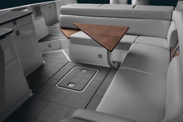 2022 Aviara                                                              AV32 Outboard Image Thumbnail #11