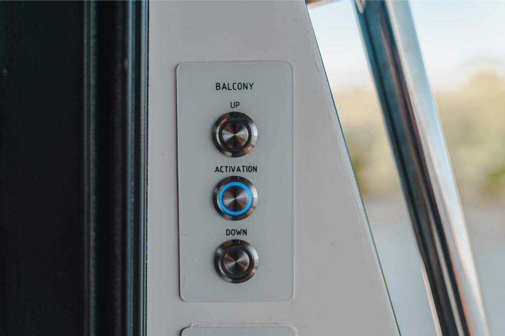 2022 Galeon                                                              410 HTC Image Thumbnail #173