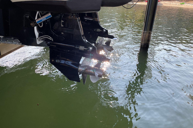 2019 Sea Ray                                                              Sundancer 320 Image Thumbnail #21